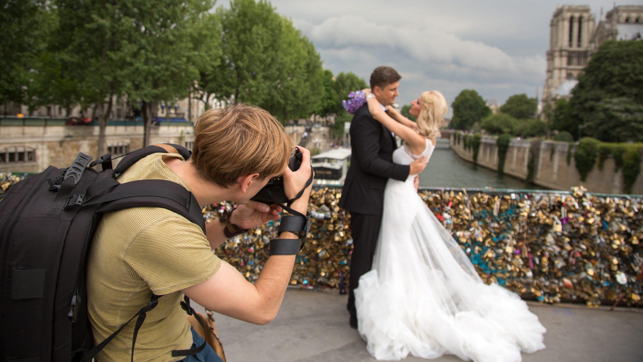 Fotografare matrimoni: quale attrezzatura per iniziare?
