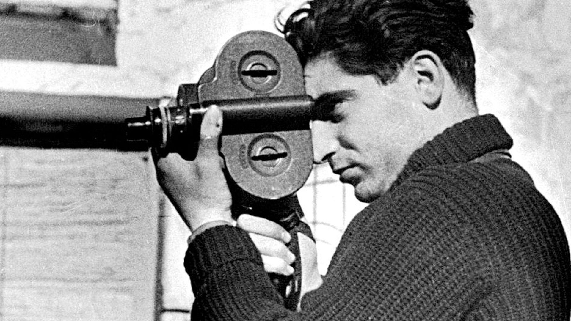 A lezione di fotografia da Robert Capa, il fotoreporter più temerario di sempre