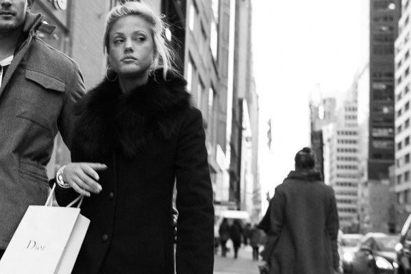 Dior, 5th Avenue, NYC. Street Photography