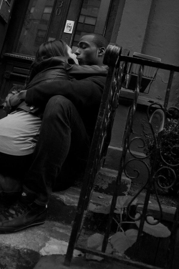Street Photography - Coppia che si bacia