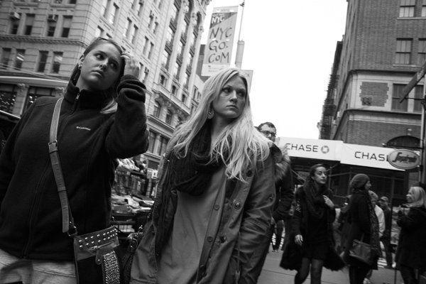 Occhiata alla vetrina, Broadway, SoHo - Fotografia di Strada