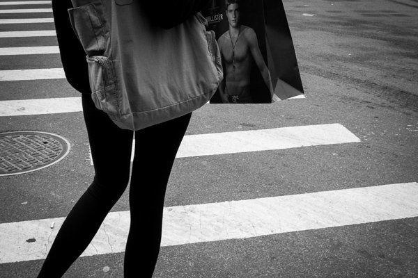 Un esempio di gestualità, SoHo, NYC - Street Photography