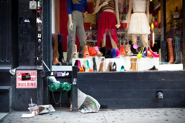 Negozio di scarpe, SoHo, NYC. - Street Photography