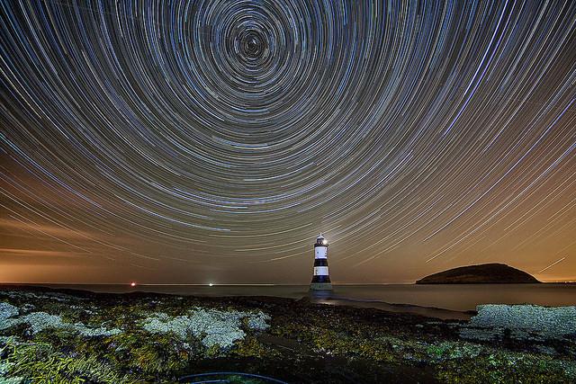 Come stupire fotografando le scie delle stelle (star trail)