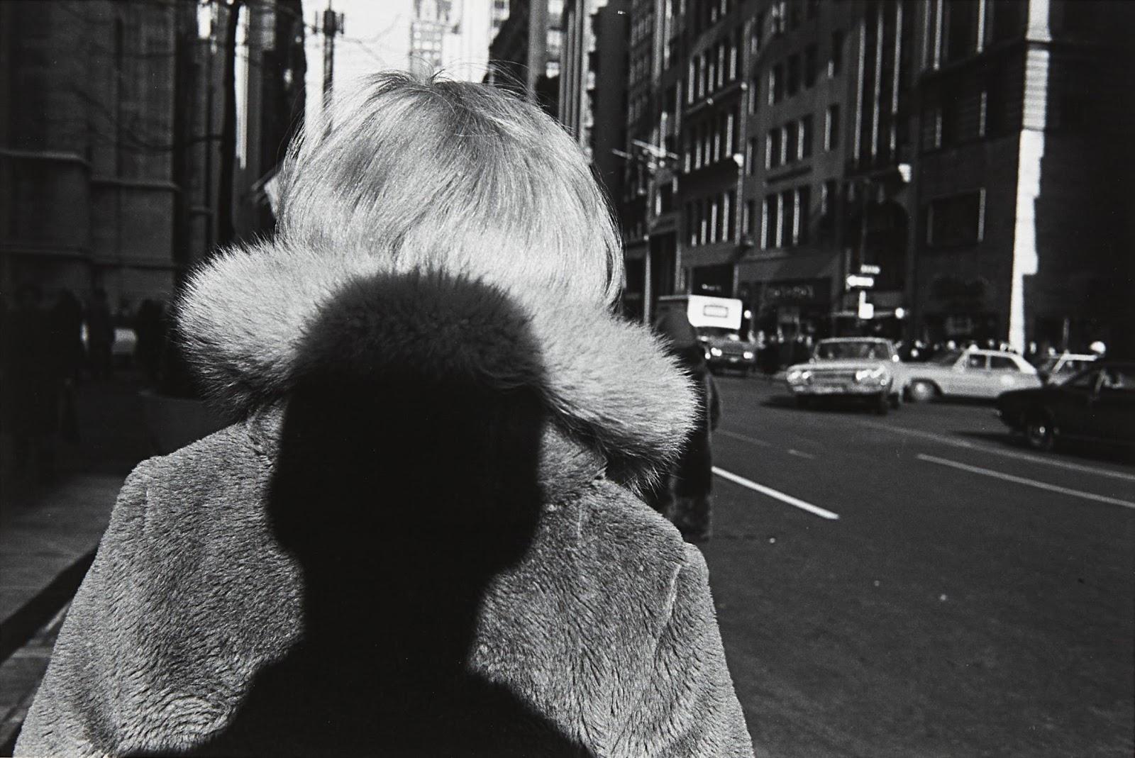 5 lezioni da Lee Friedlander, il fotografo più eclettico della storia