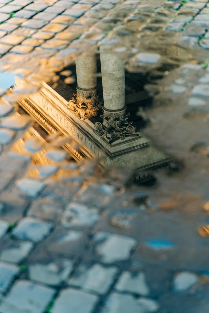 Piazza del Popolo. Photo by Marialaura Gionfriddo on Unsplash